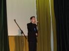 Borbély Károly énekel