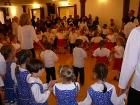 A táncházban sokan táncra perdültek